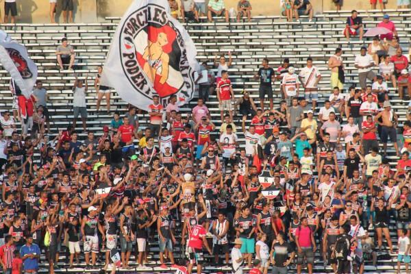 Cerca de 30 mil torcedores viram a vitória do River-PI sobre o Lajeadense na primeira partida (Foto: Site oficial do River-PI)