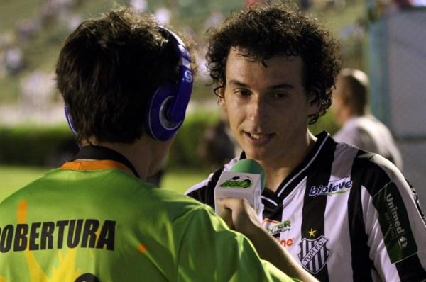 Sidimar, que abriu o caminho para a vitória, conta detalhes do jogo ao jornalista Bruno Kaehler, do Toque de Bola