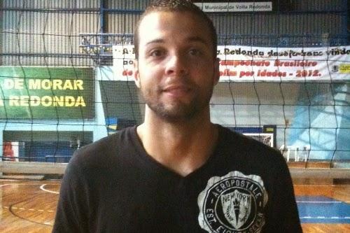 Maurício, 31 anos, é o novo reforço do JF Vôlei (Foto: Supervôleirs.com)