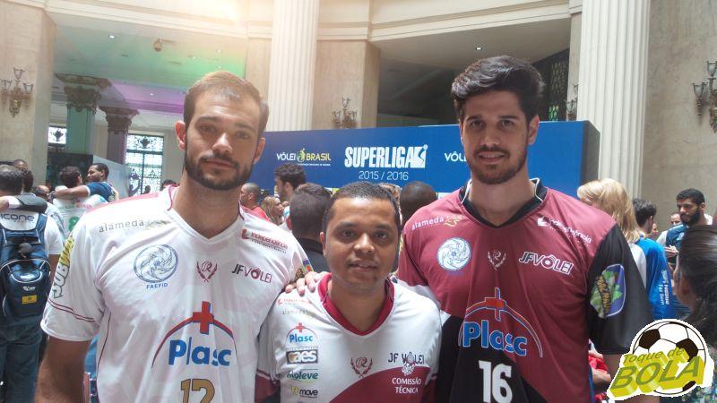 Da esquerda para a direita: o ponta Mark Plotyczer, o treinador Alessandro Fadul e o central Diego, no lançamento da Superliga 15/16