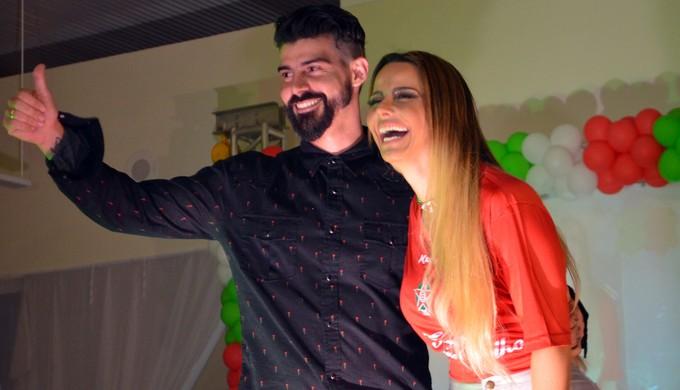 Radamés e Viviane Araújo na apresentação do elenco do Boa Esporte (Foto: Divulgação)