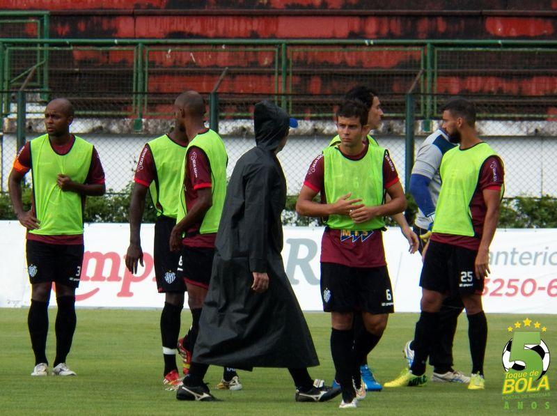 """Drubscky trabalha futebol de Thiaguinho sob cautela: """"Menino com potencial"""""""