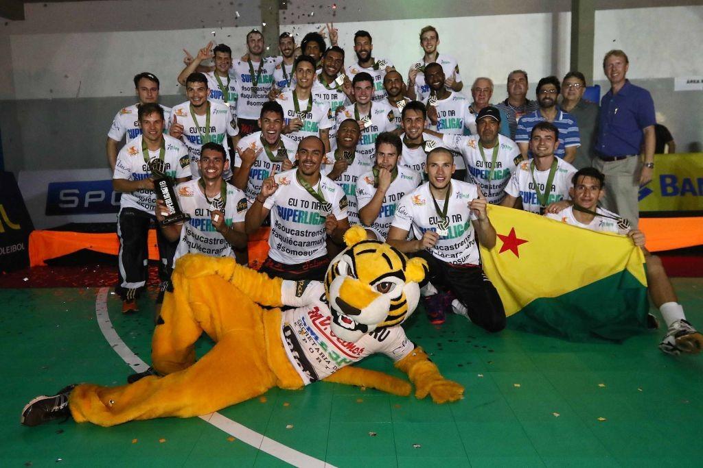 MV Selmer/Caramuru/Castro-PR conquista título da Superliga B (Foto: CBV)