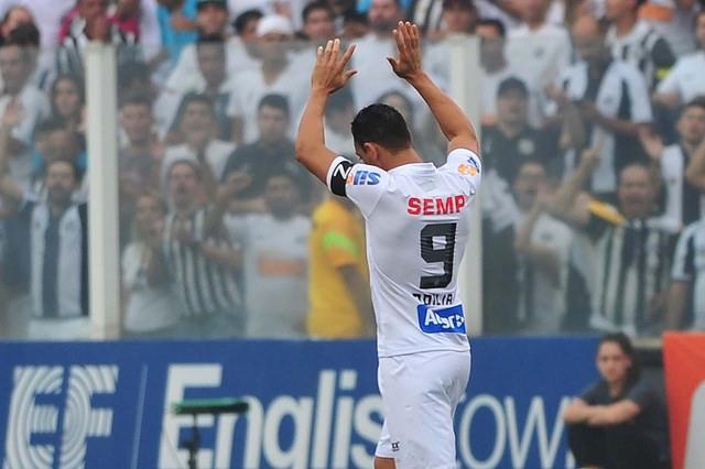 Ricardo Oliveira: camisa 9 do Peixe foi mais um veterano que brilhou no momento de definição do Estadual. Gol do título