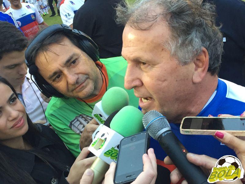 Zico, em maio de 2015, sendo entrevistado pelo comentarista convidado do Toque de Bola, Marcelo Rizzato