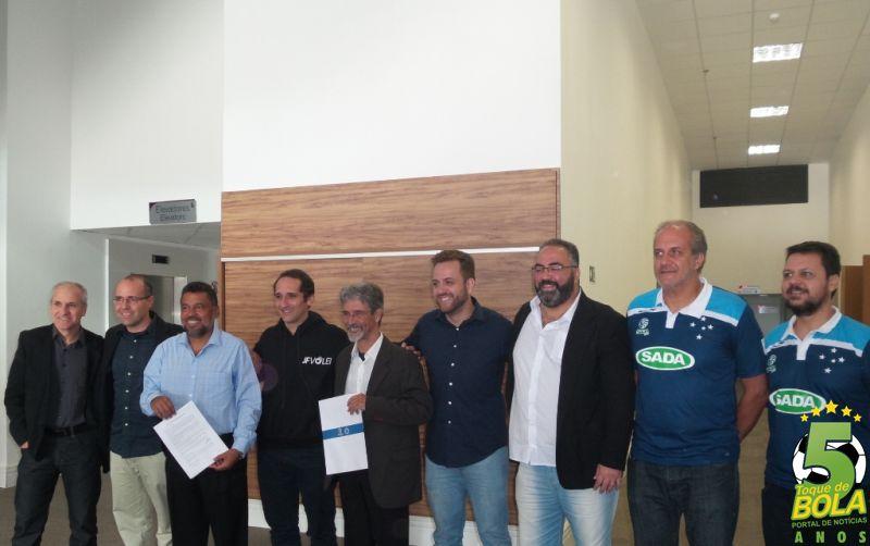 Em parceria com Sada Cruzeiro, JF Vôlei recebe treinador e dez atletas e confirma participação na Superliga