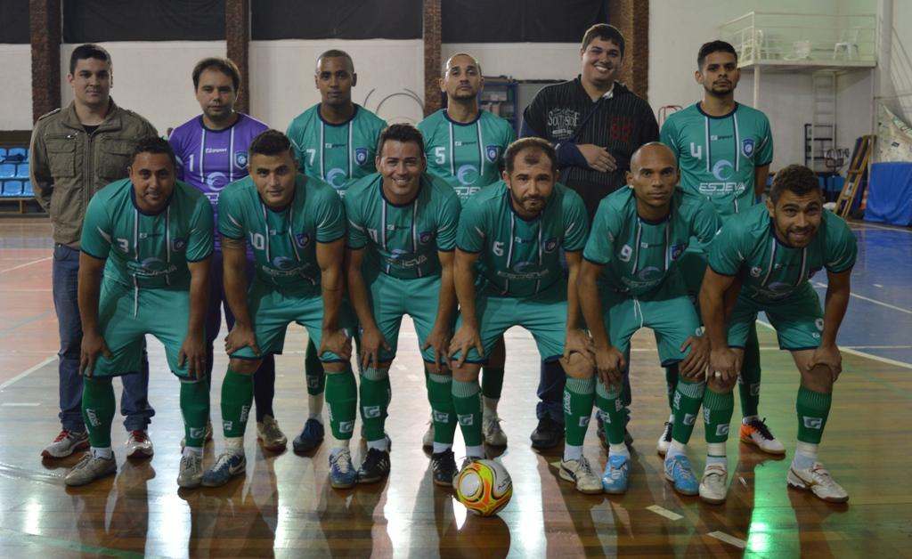 Atletas de futsal da Esdeva