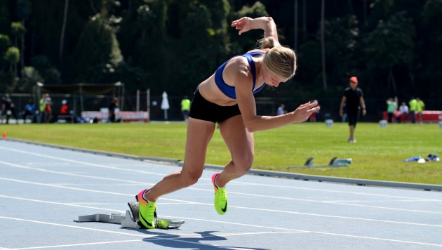 Brianne Theisen-Eaton, durante treino na UFJF, é medalhista de prata no heptatlo (Foto: Twin Alvarenga/UFJF)