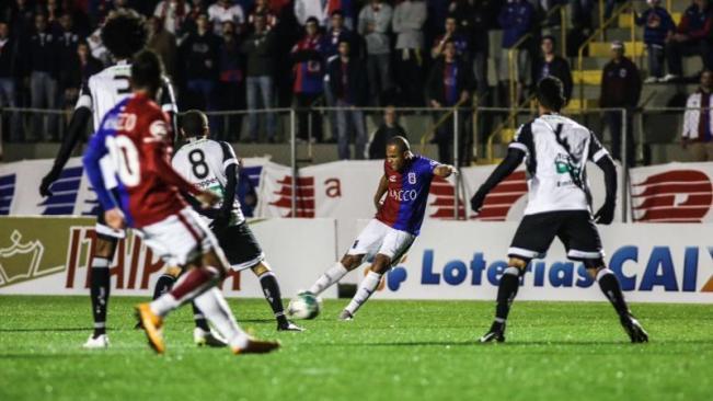 Paraná busca vitória contra o Tupi para espantar a má fase. Na última rodada, time empatou com o Ceará em casa