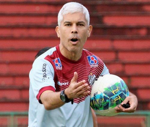 Ricardinho diz que o Tupi terá seis decisões pela frente
