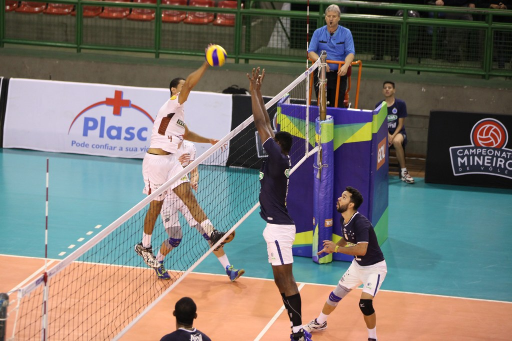 Lance de Sada Cruzeiro x JF Vôlei, semifinal do Campeonato Mineiro