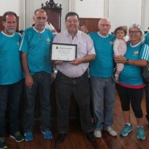 Vereador  Júlio Gasparette entrega Moção de Aplauso aos associados pelos 40 anos do Panathlon Club Juiz de Fora