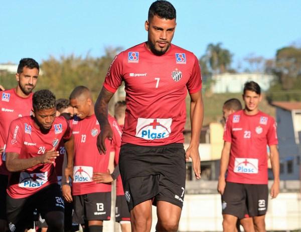 Zagueiro Rodrigo Lobão é o provável substituto de Gabriel Santos para o jogo de sexta-feira
