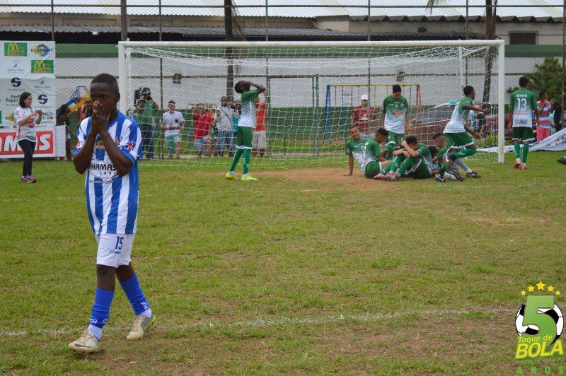 Virada, drama dos pênaltis e gol no final contam a história dos títulos de Rezato, Barreira e Botafoguinho. Veja dezenas de fotos