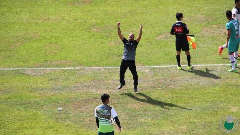 """Aílton sai do chão na hora do gol e comemora a """"melhor atuação da equipe"""""""