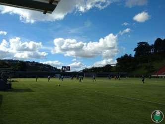 Tupi começa mal e depois empata no último jogo-treino antes da estreia no Mineiro. Veja fotos