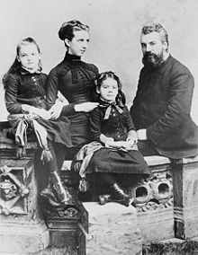 Alexander Graham Bell, his wife Mabel and their two daughters, Elsie and Marian (1885)