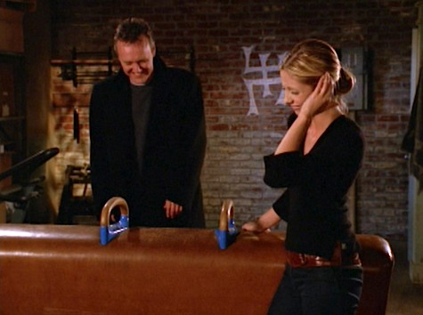 Buffy the Vampire Slayer, Grave, Giles