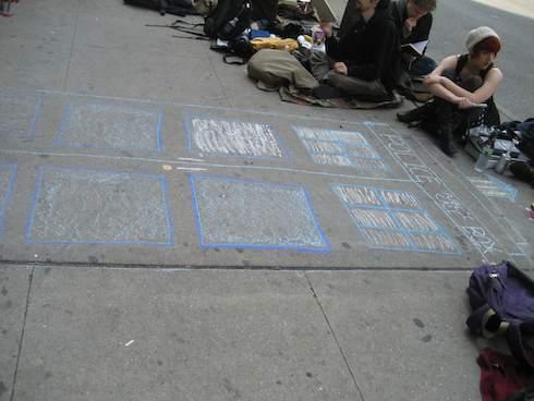 Chalk TARDIS at the DW Line Con