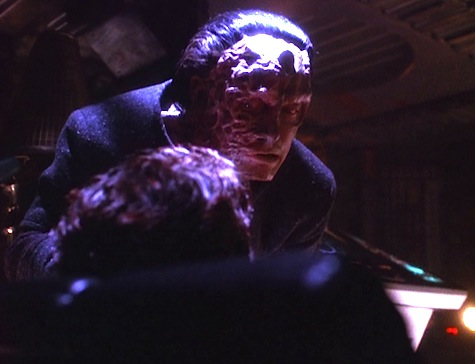 Deep Space Nine, The Darkness and the Light, Prin