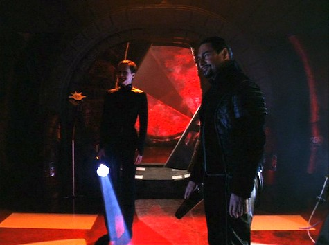 Farscape, Into the Lion's Den I: Lambs to the Slaughter, Crais, Lorel