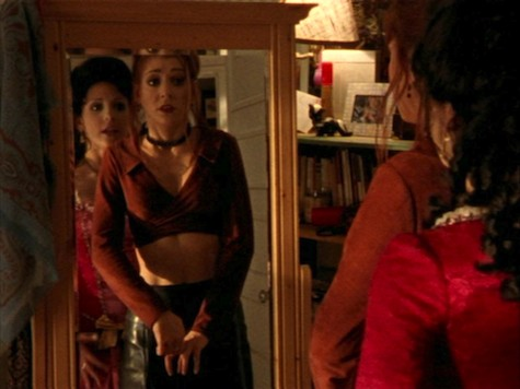 Buffy and Willow in Buffy the Vampire Slayer Halloween