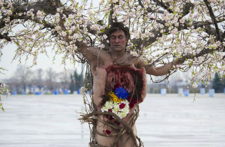 "Hannibal Tree Man in ""Futamono"""