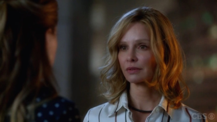 Supergirl 1x08 Hostile Takeover midseason finale review Cat Grant reveal secret identity