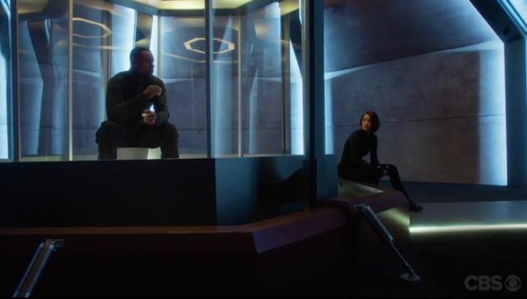 Supergirl 1x17 Martian Manhunter television review J'onn J'onnz Choco cookies