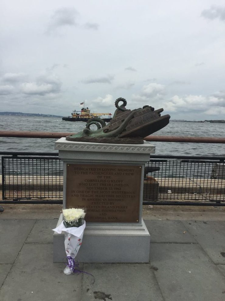 Staten Island Ferry Disaster giant octopus statue memorial NYC