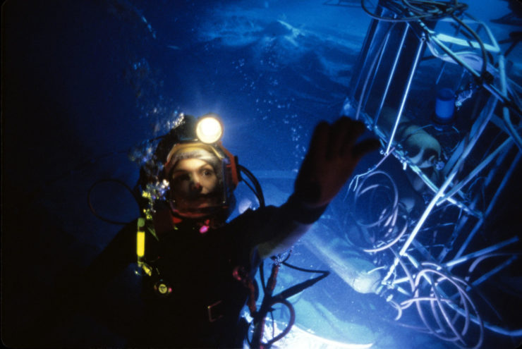 ÒThe Abyss,Ó the deep-sea epic renowned for its pioneering digital water effects and sophisticated underwater photography and sound recording, will be screened at a special 20th anniversary event by the Academy of Motion Picture Arts and Sciences on Tuesday, June 23, at 7:30 p.m. at the Linwood Dunn Theater in Hollywood. This screening will premiere a newly struck 35mm print from the Academy Film Archive. Pictured: A scene from THE ABYSS, 1989.