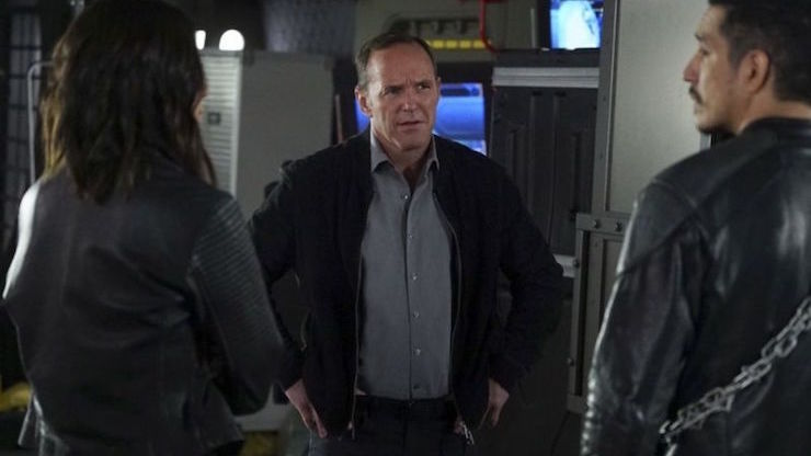 94d433db Agents of S.H.I.E.L.D. Season 4 Finale: Hell Hath No Fury Like a Former  Robot Scorned | Tor.com