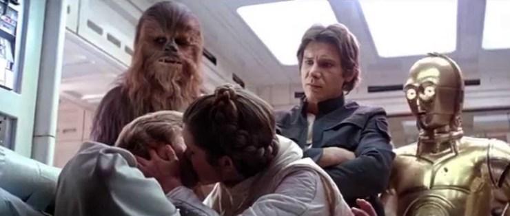 Luke Leia kiss