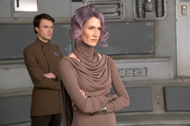 Star Wars The Last Jedi Amilyn Holdo running away Poe Dameron Laura Dern