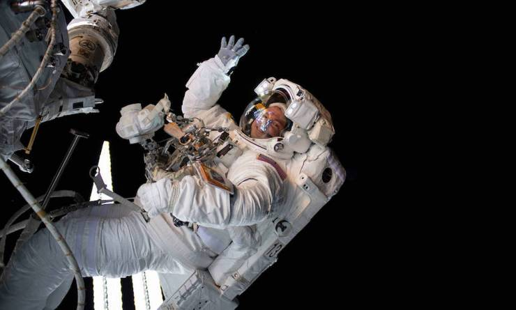 5 Non-Fiction Books That Will Put You in an Astronaut's Boots