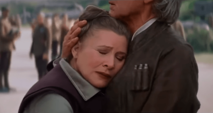 Leia and Han embrace in Star Wars: The Force Awakens