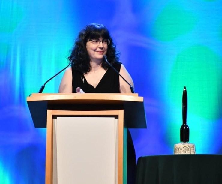 Martha Wells at the 2019 Hugo Awards