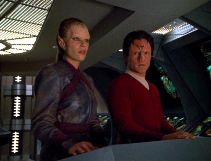 "Star Trek: Voyager ""Vis A Vis"""