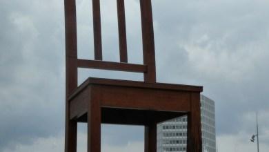 Photo de Mouktsé Mékhamat Gouffo: Une chaise cassée(cour n°3)
