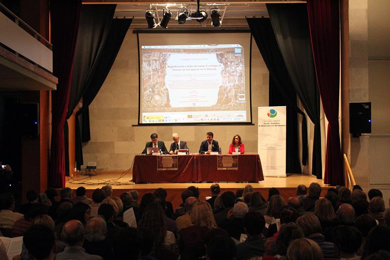 Historiadores Iberoamericanos y europeos se dan cita en Tordesillas con los tapices como protagonistas