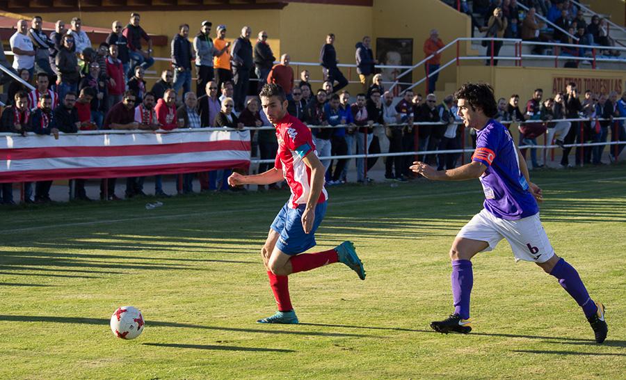 El Atlético Tordesillas recibe a un Salmantino en horas bajas