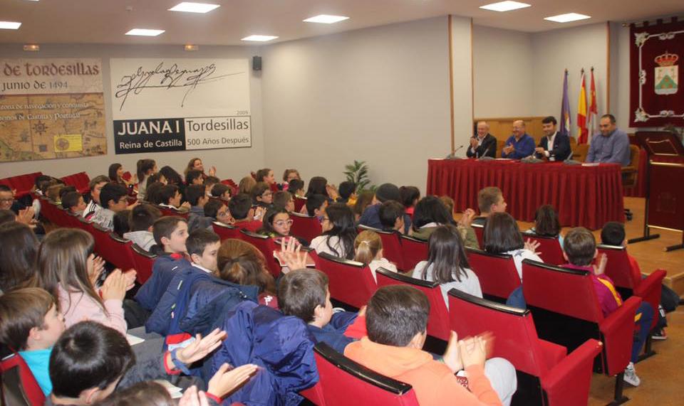 Los alumnos del CEIP Pedro I resuelven dudas sobre la Constitución