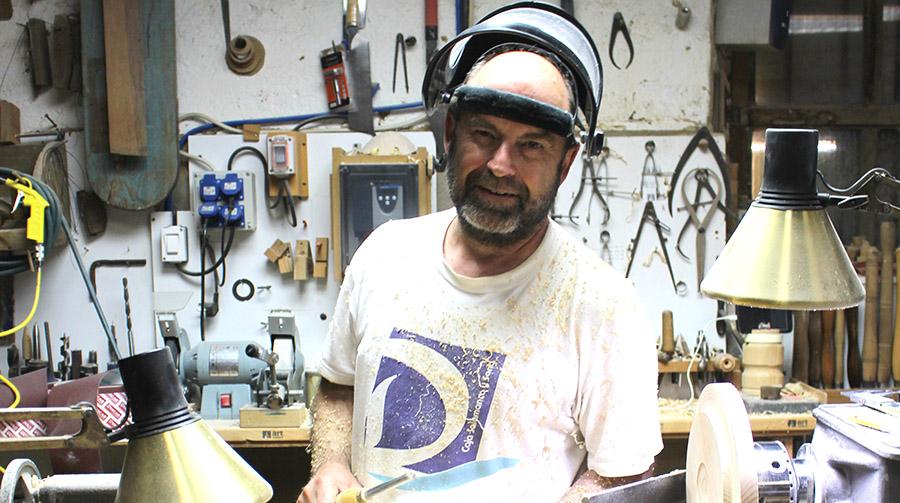 Francisco Treceño, de arqueólogo de profesión a tornero artesano de madera autodidacta