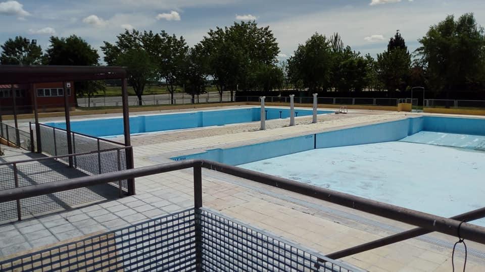 La irresponsabilidad ciudadana pone en peligro la apertura de las piscinas y la celebración de las fiestas de la Peña