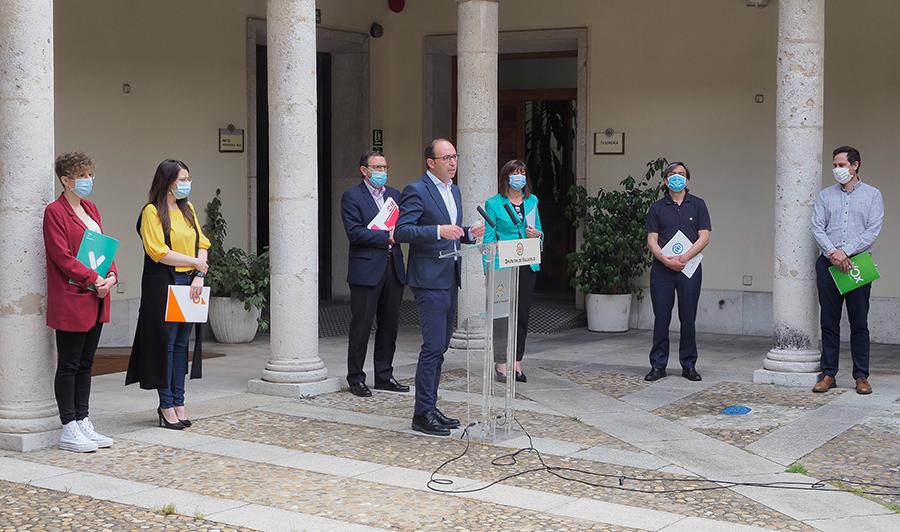 Los grupos políticos de la Diputación acuerdan los criterios de reparto de dos millones de euros en ayudas a autónomos y PYMES