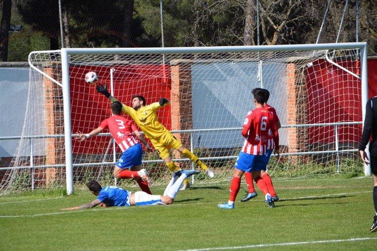 El Atlético Tordesillas se complica el play-off tras caer ante el Real Ávila