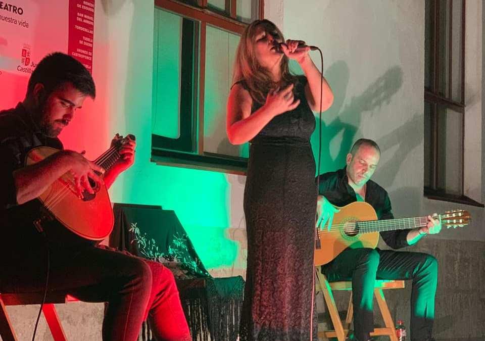 'Puro Tablao' y Mónica Jesús conquistan Tordesillas al son de flamenco y fado