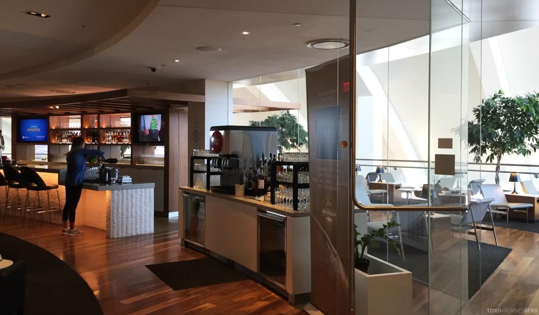Star Alliance Gold Lounge LAX bar
