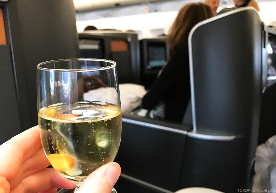 SAS Business Oslo til Miami velkomstdrink champagne