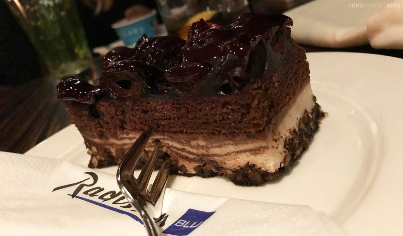Restaurant Heat Radisson Blu Berlin sjokoladekake
